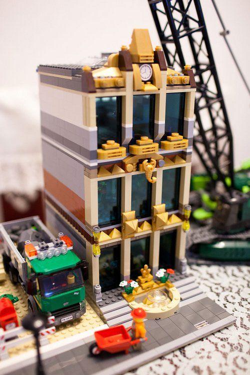 Modular Building Lbgs Lego Bank Of The Golden Scorpion By Niteangel On Eb Lego House Lego Construction Lego