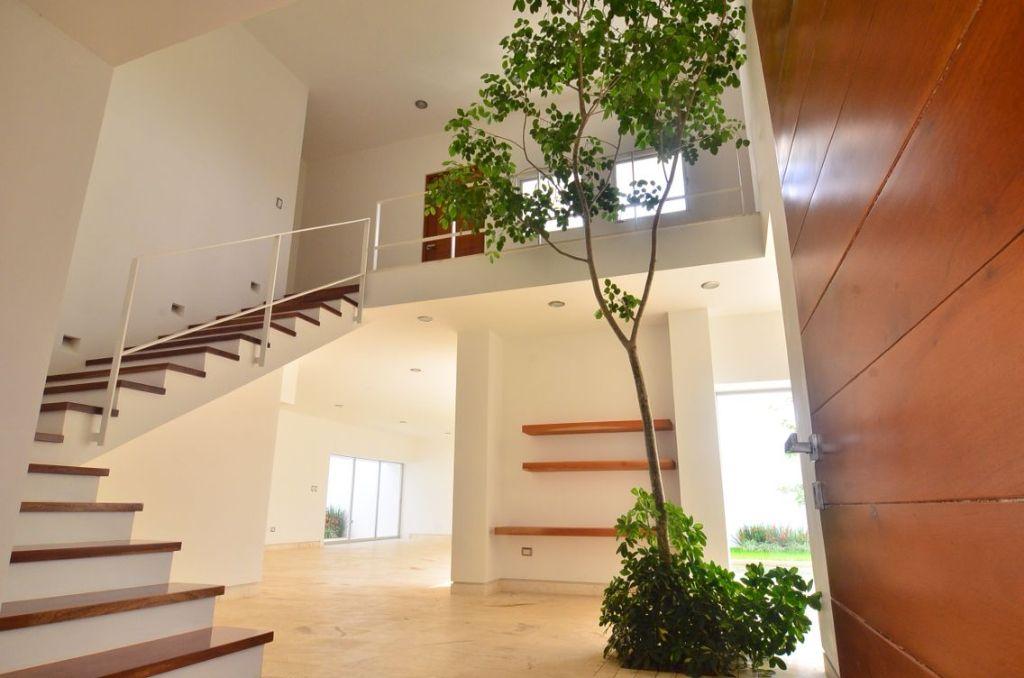 Casas Hermosas Doble Altura Por Dentro Buscar Con Google Casa Hermosa Casas Escaleras