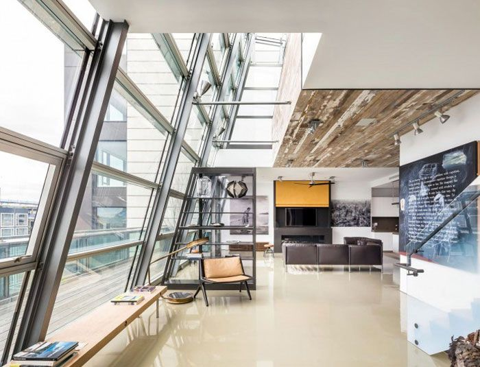 Penthouse in SoHo apartment tall glass windows7 modern home