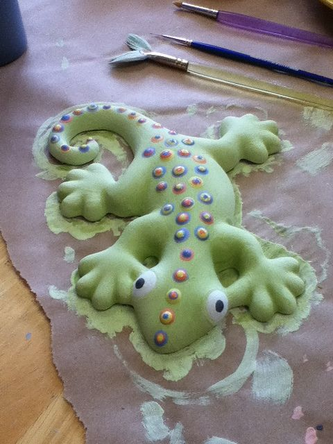 Paint-your-own pottery gecko