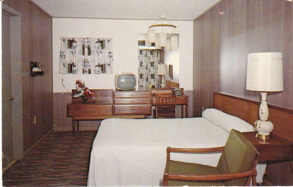 Vintage Postcard Spences Motel Madison Wisconsin Interior Unused