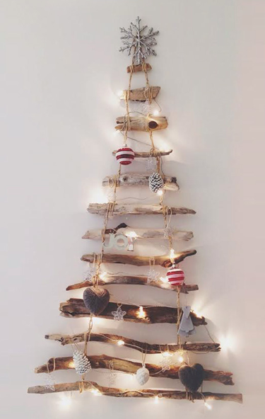 Apprendre à fabriquer un sapin de Noël DIY avec de la récupération ...