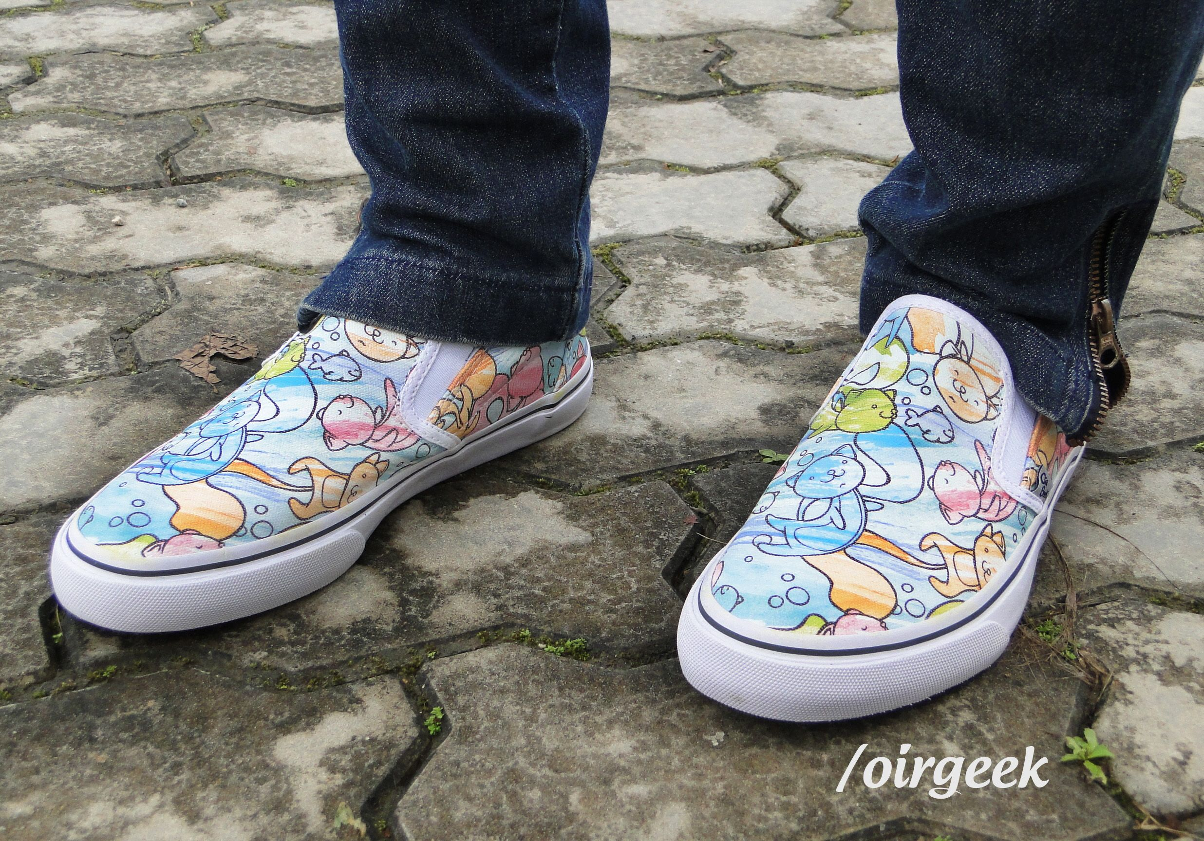 Nós amamos #gatos! São #fofos e amáveis como esses #tênis da Oir #Geek Essa lindesa pode ser comprada em: oirgeek.iluria.com/