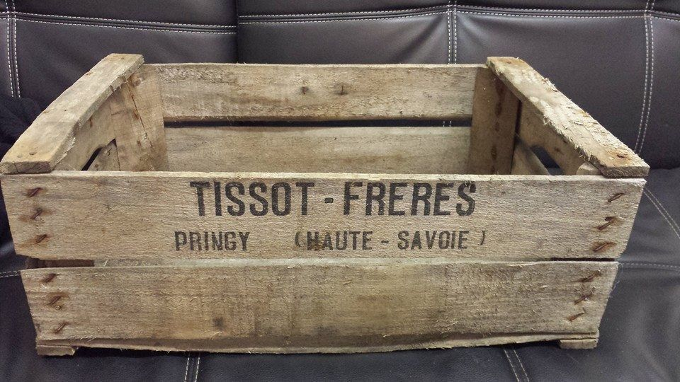 VINTAGE WOODEN TISSOT PEAR FRUIT CRATES RUSTIC