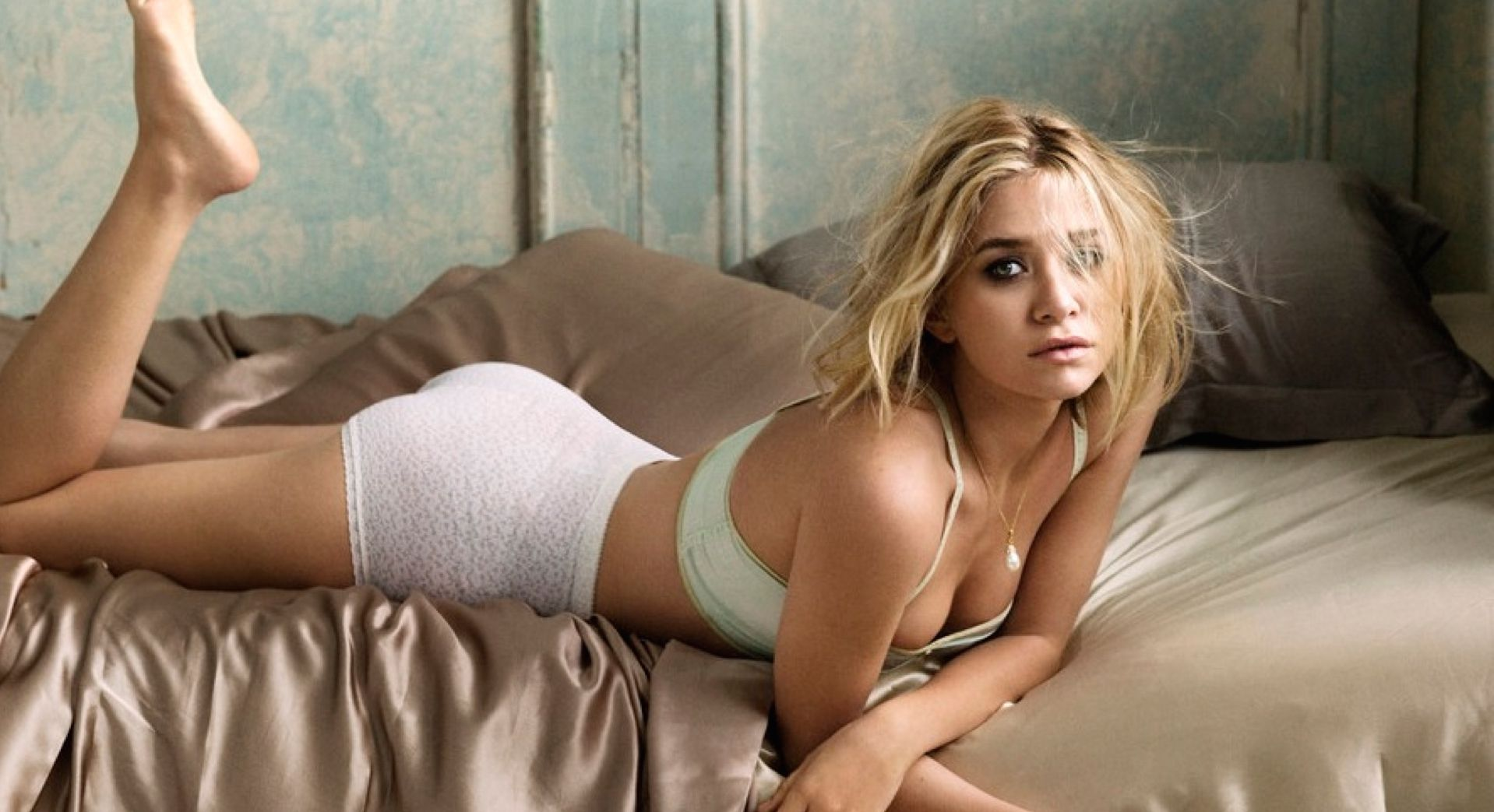 Mary kate and ashley olsen sisters hot and sexy widescreen wallpapers, pictures and slide show