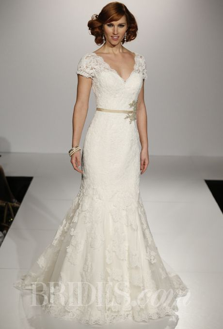 90+ Lace Wedding Dresses From the Runway! | Pinterest | Maggie ...