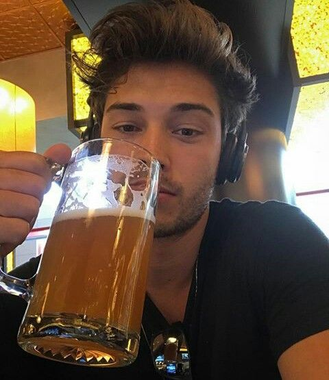 just the face is him but w/o the beer bc levi doesn't drink