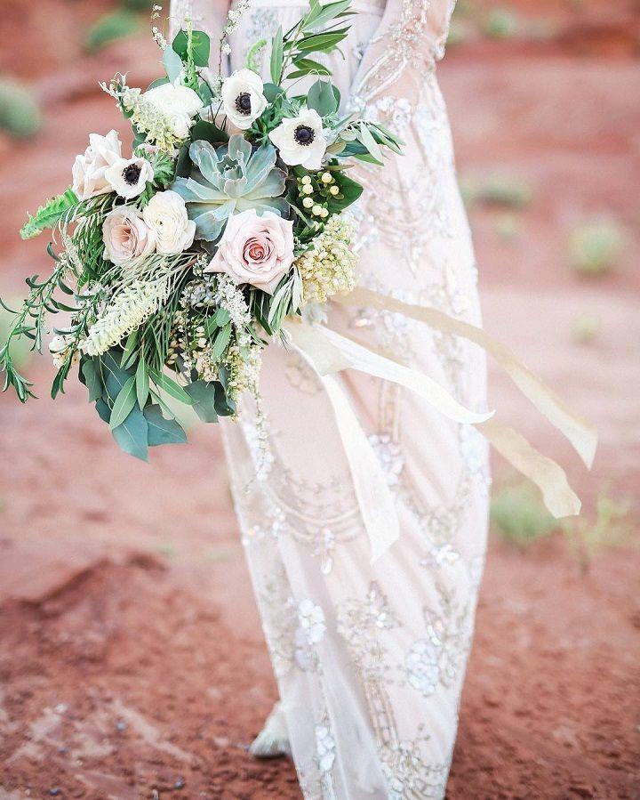 Pretty Anemones and blush roses wedding bouquet #weddingbouquet #weddingbouquets #bouquet #wedding #bridalbouquet