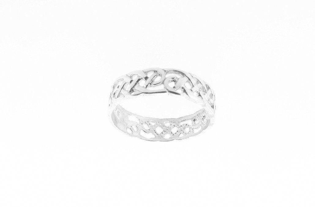Celticringsknotrounddiamonds In 2020 Celtic Infinity Knot Ring Celtic Infinity Knot Celtic Wedding Rings