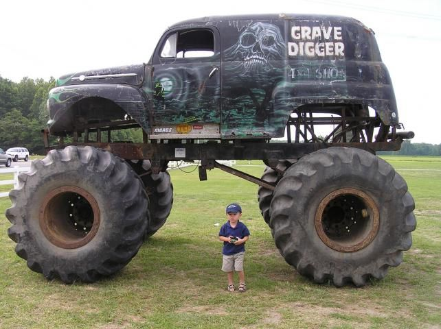 Old Grave Digger My Fav Monster Truck With Images Monster