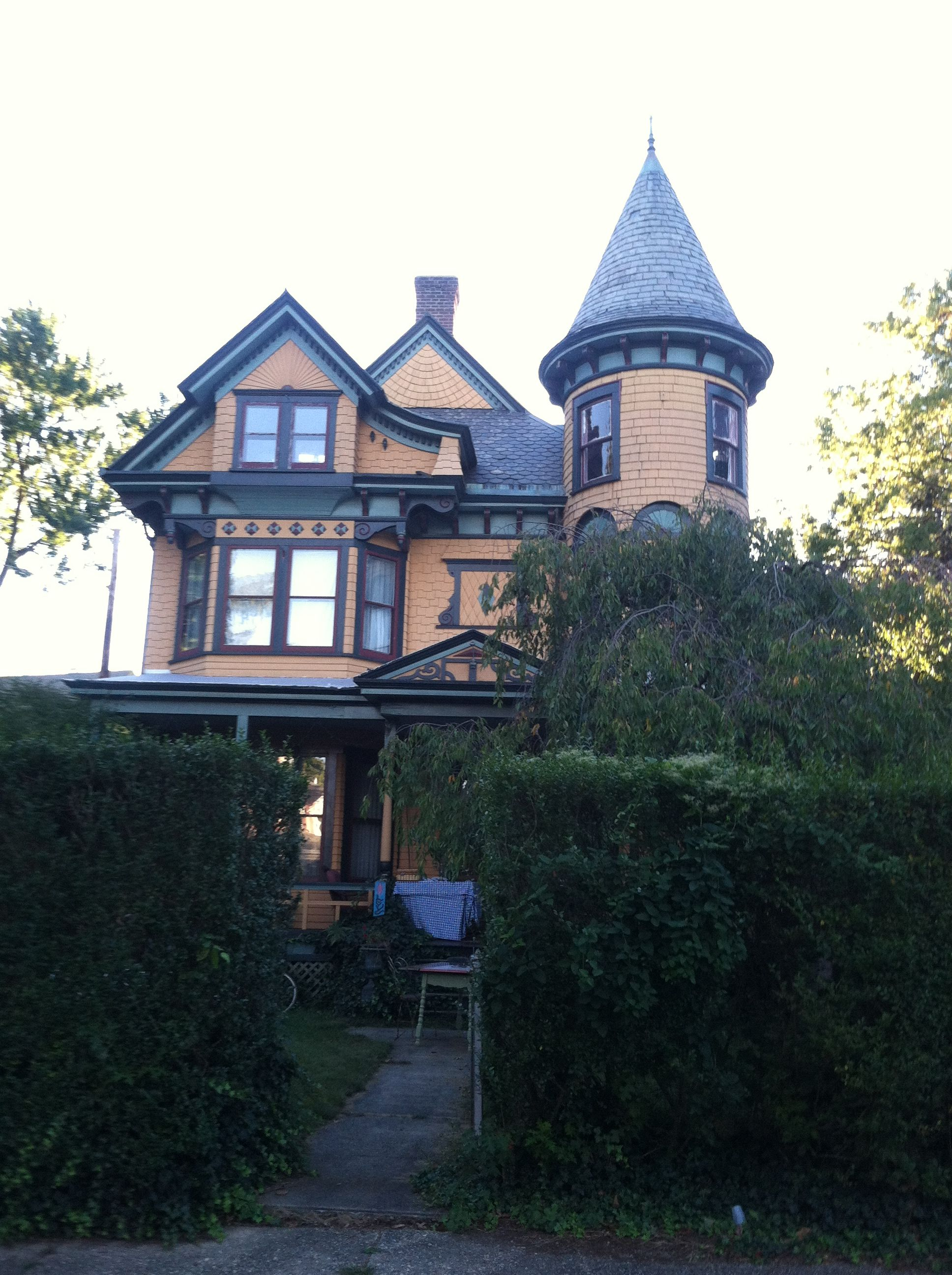 Beautiful old home being fixed up House styles, Old