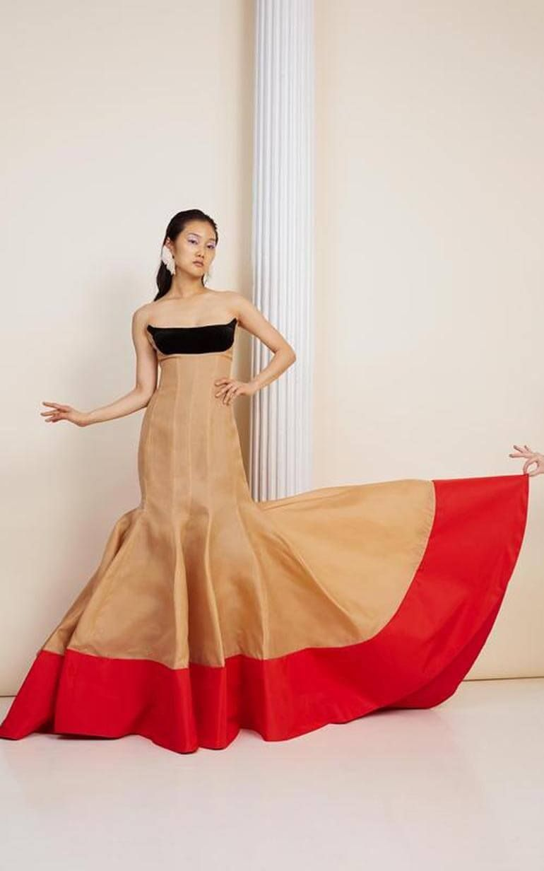 Eye Catching Designs That Are Impossible To Ignore From Rosie Assoulin In 2020 Fashion Fashion Show Dresses