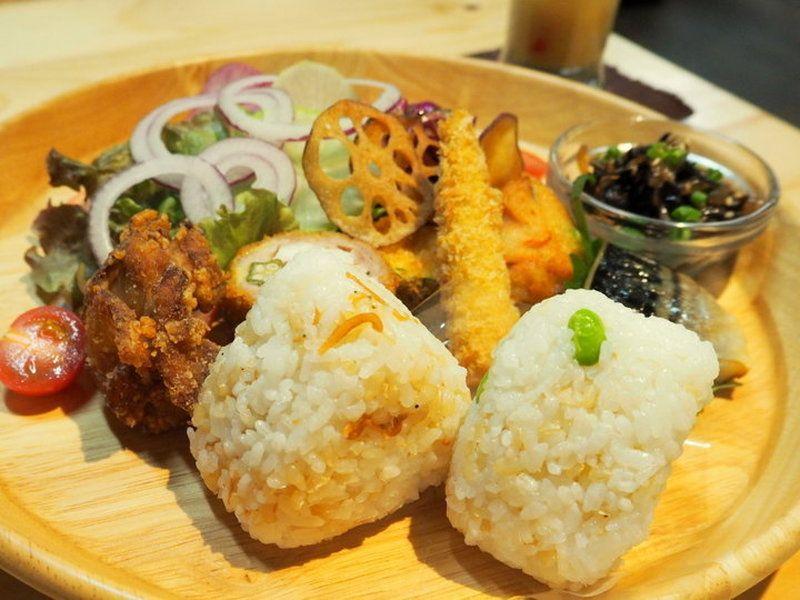 石川の味覚をギュッと詰めこんだ「きにつちに」の「菜菜ご膳」
