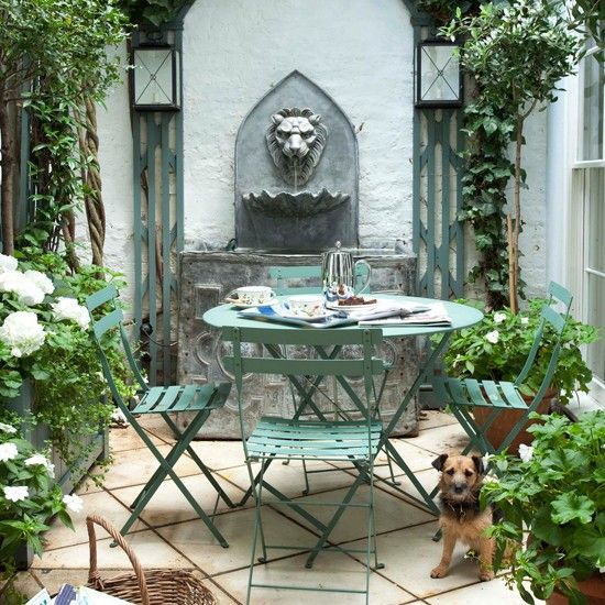 Backyard Small Patio Garden With Water Feature