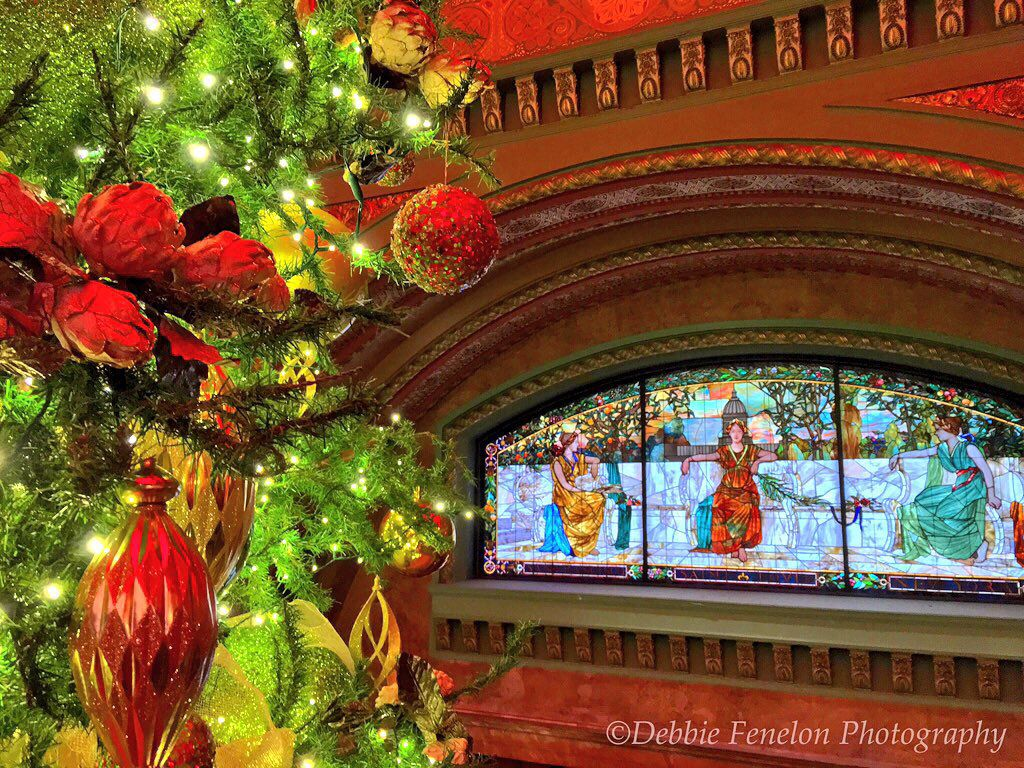 christmas at the grand hall in st louis union station