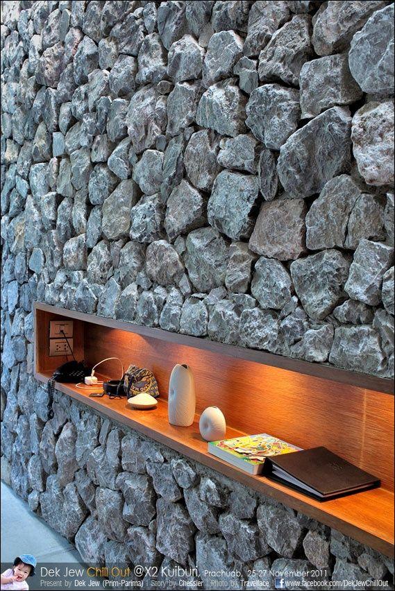 Utilizaci n de piedra en fachadas modernas stone wood for Piedra para muros exteriores precio