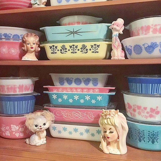 by @reganomics #pretty #vintagepyrex for your #sunday #morning #goodmorningpost #sundayfunday #pastels #pastelhome #pyrex #vintagekitchen #vintagehome #vintageinspo #collection #collector #color #onlineshop #vintageshop #sharing #notmyphoto #webshop #etsy #etsysellers