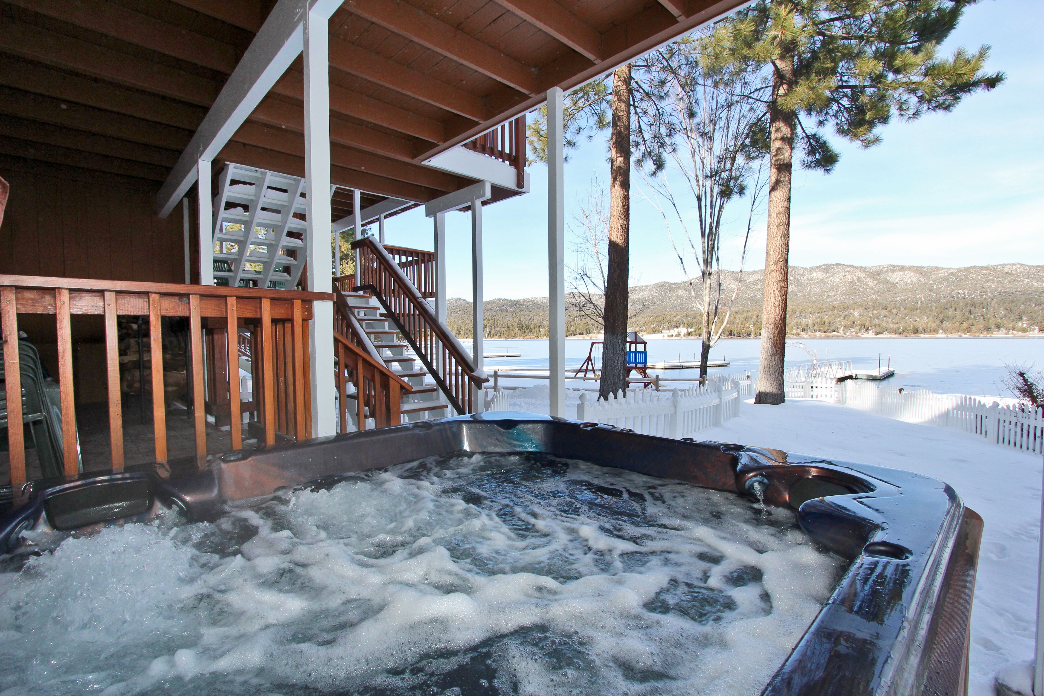 Lakefront Manor Cabin In Big Bear With Hot Tub Big Bear Cabin Bear Cabin Cabins In Wisconsin