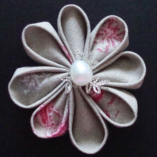 flower made from fabric - DIY