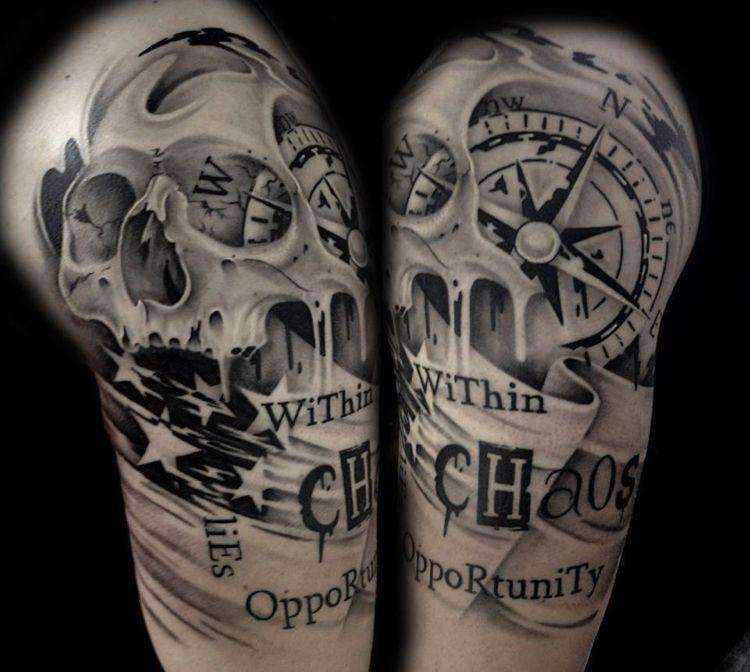 Kompass Tattoo Spruch Schädel Mann Oberarm Kompass Tattoo
