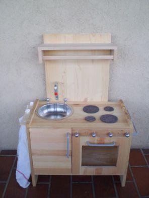 Come realizzare una cucina giocattolo in legno con comodino ...