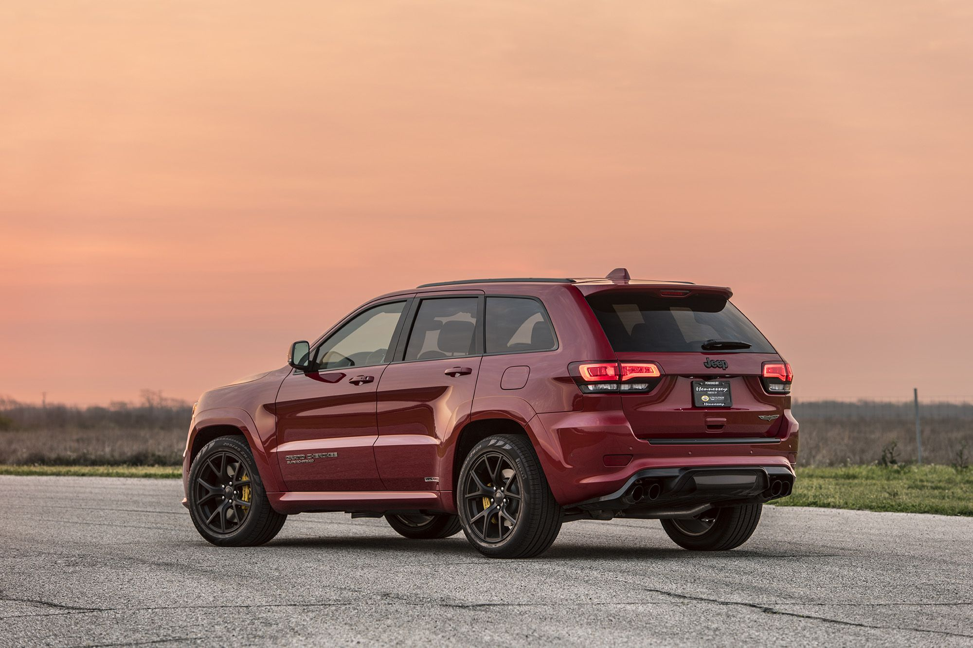 Hennessey Can Give Your Jeep Grand Cherokee Trackhawk 1 012 Hp 755 Kw Jeep Grand Cherokee Jeep Srt Jeep