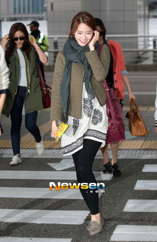 http://okpopgirls.rebzombie.com/wp-content/uploads/2013/04/SNSD-Yoona-airport-fashion-April-8-03.jpg