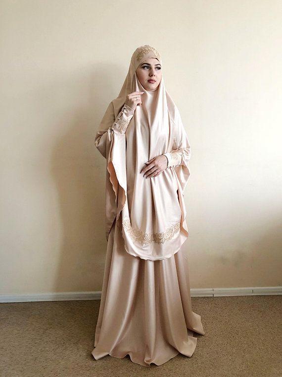 bee15c5732 Elegant beige Muslim suit