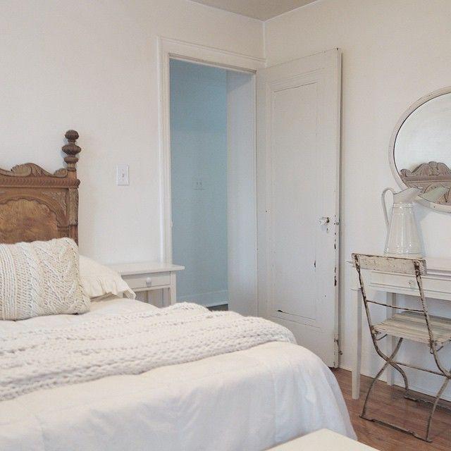 White Cottage Style Interiordesign