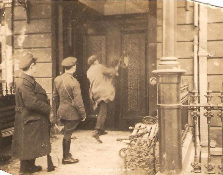 National Army Breaking Down The Door Of The Gresham Hotel Irish History Ireland History Ancient Ireland