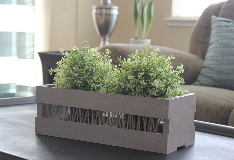Rustic Wooden Crate Tutorial - Wendy Schultz via Janet Young Lei onto DIY Home Projects.