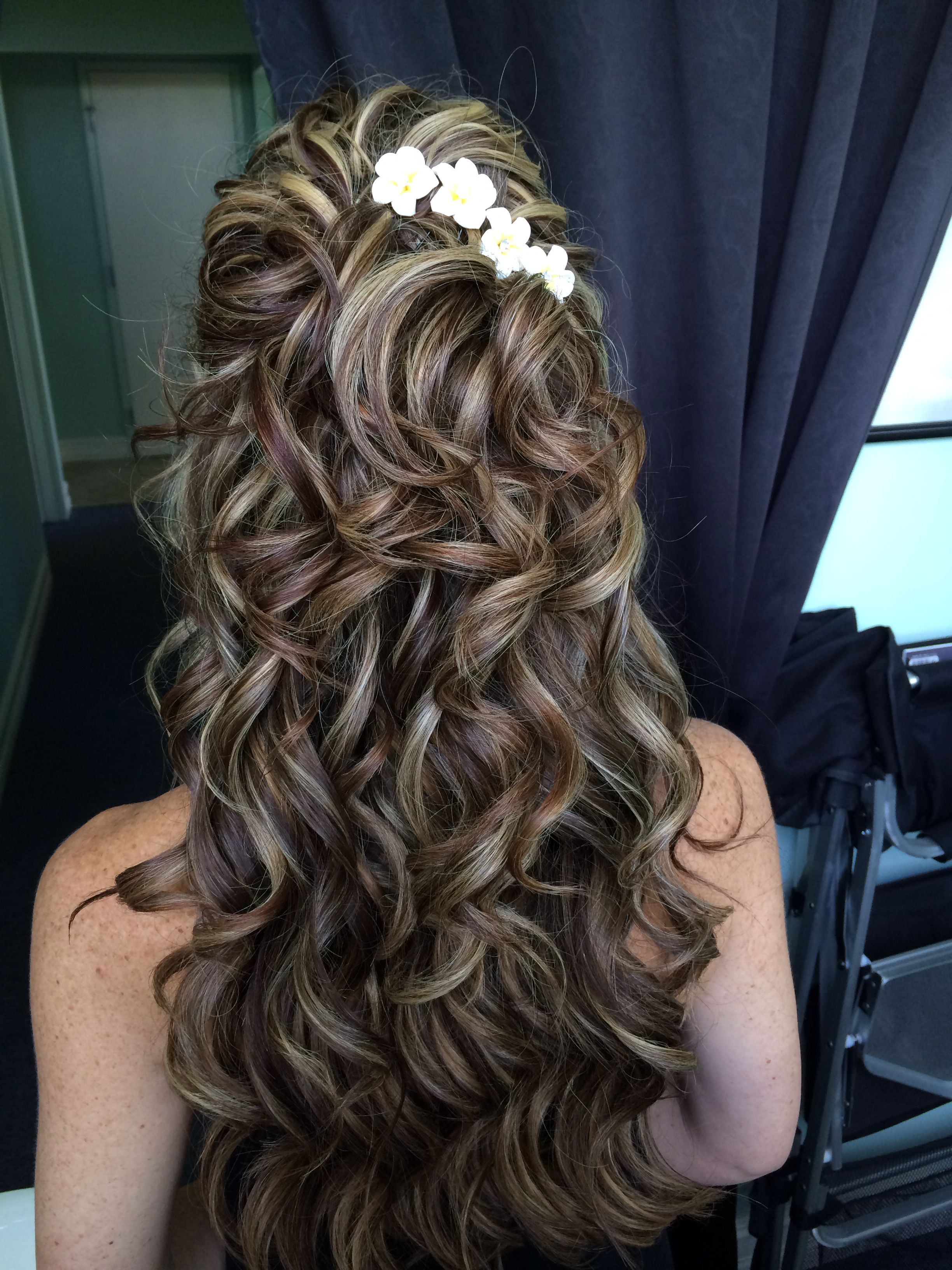 Www.BeautyCouture... Garden wedding hippy bohemian hair. Romantic hair style. Br...