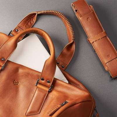 Travel holdall. Handmade Tan brown leather duffle bag for men. Mens designer  shoulder bag b57ba8bf2071a