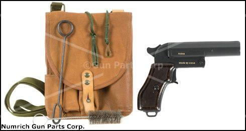 Flare Pistol, CZECH Model VZ44, 26 5mm w/ Holster, Lanyard