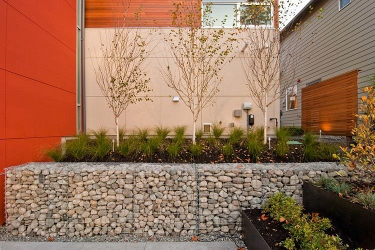 Mur En Gabion Comme Un lment Dcoratif Dans Le Jardin