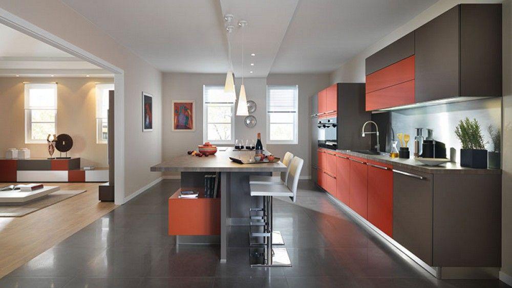 Moderne keuken in twee kleuren kleuren komen terug in woonkamer