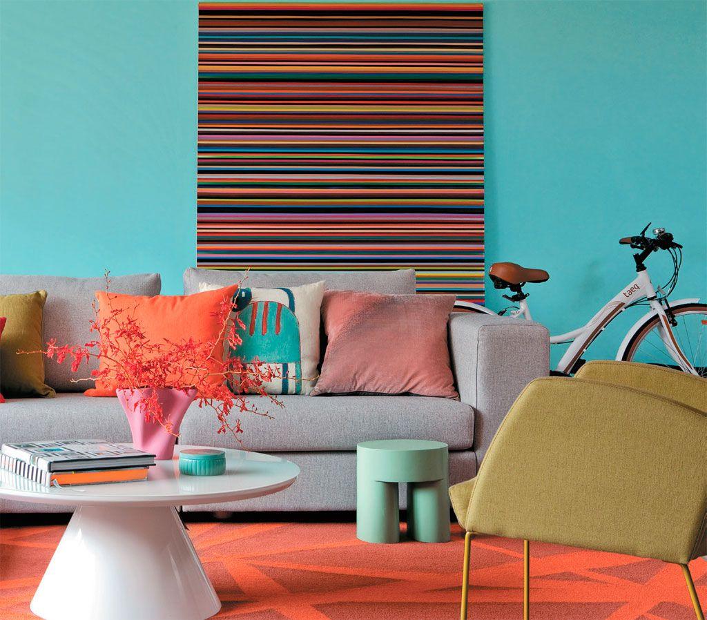Que cor usar na cortina e no tapete para combinar com azul - Sofa azul turquesa ...