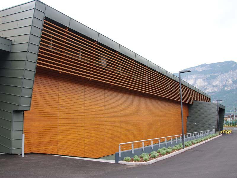 Panel de madera para fachada parklex facade by kalikos international madera madera paneles - Paneles madera exterior ...