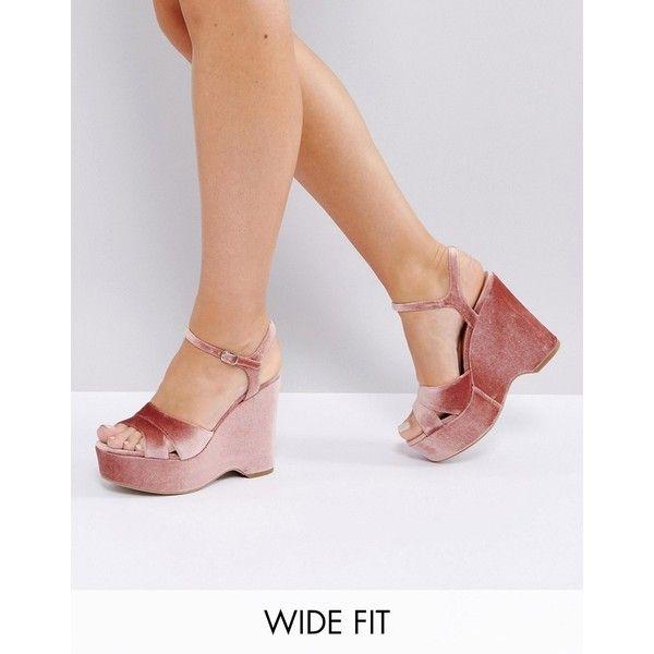 New Look Wide Fit Velvet Platform Wedge