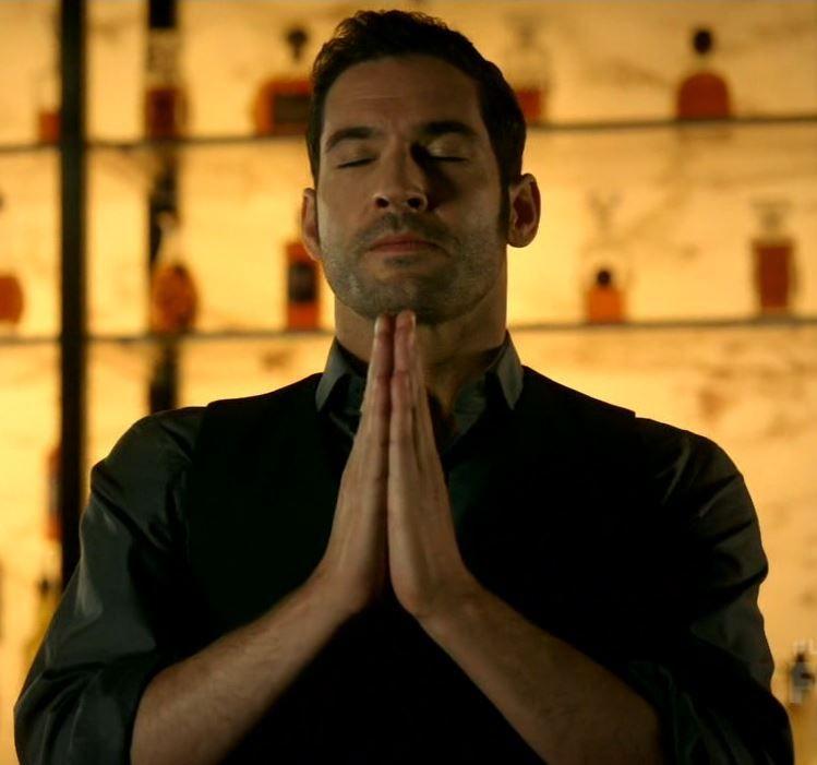 Tom Ellis as Lucifer Morningstar in Lucifer – 202 Liar, Liar ...