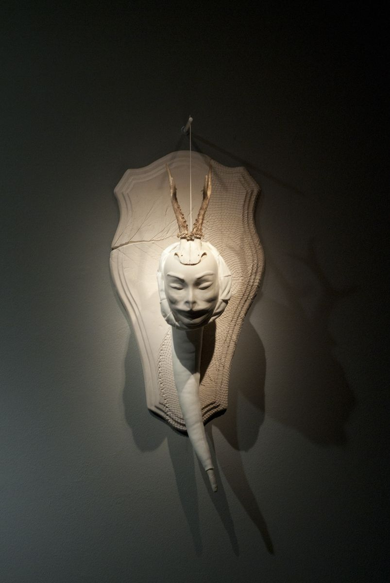 Fabiana Guerrini Infestanti terracotta dipinta a freddo, stoffe e materiali vari, 75 x 42 x 40 cm. 2013