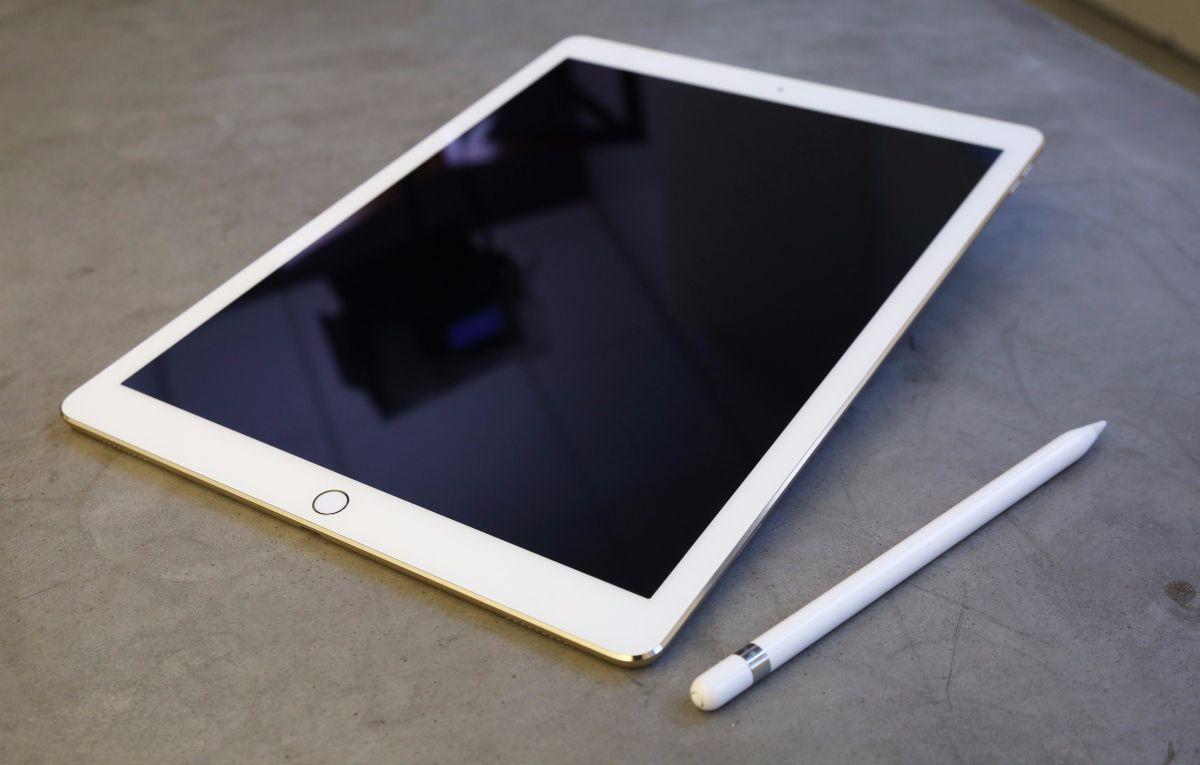Les Prochains Ipad 10 5 Et 12 9 Pouces Ne Seraient Commercialises Qu A Partir Des Mois De Mai Ou Juin Avec Images Ipad Pro Apple Ipad Ipad Pro