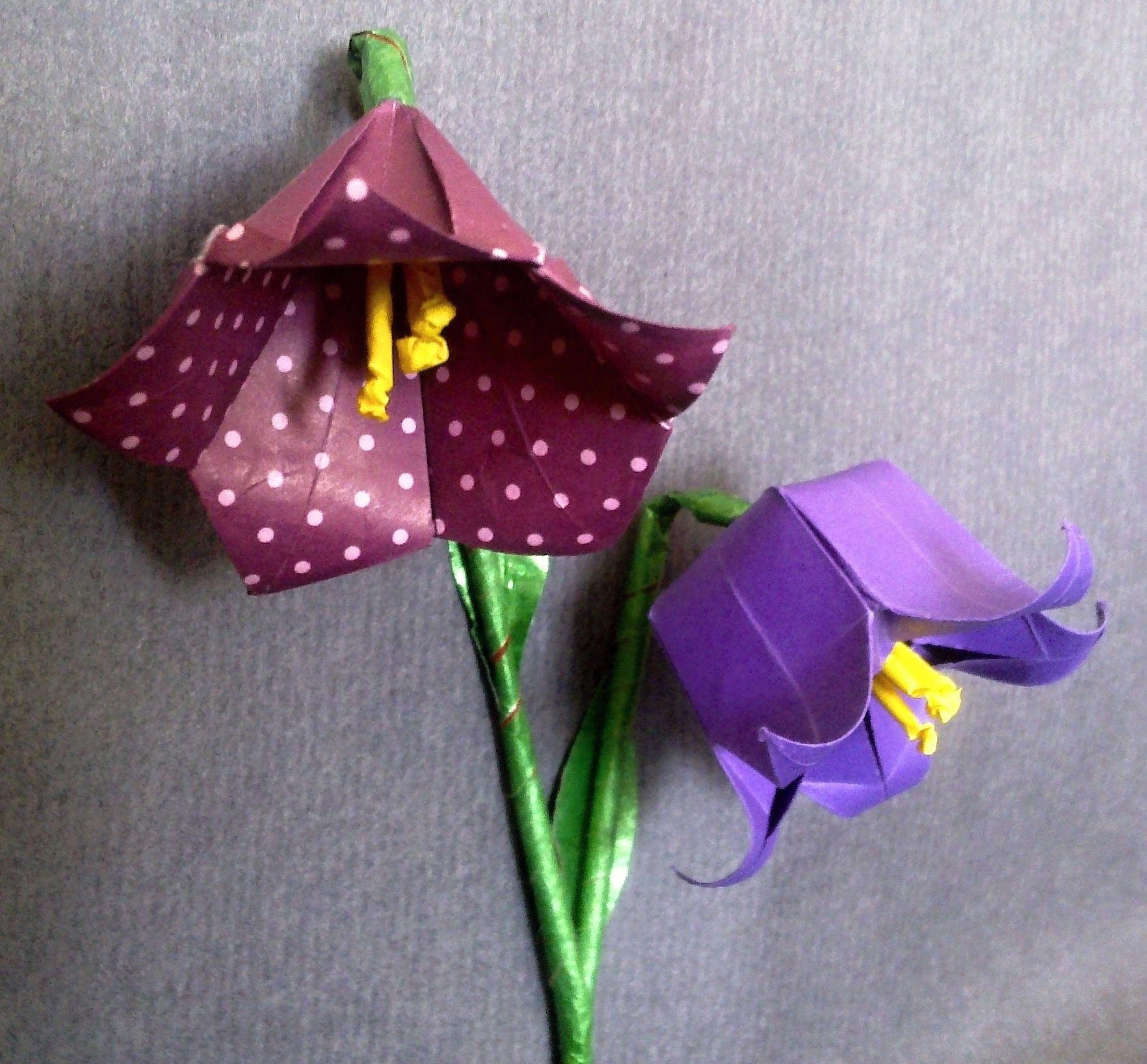 Two different origami bellflowers origami flores y plantas two different origami bellflowers mightylinksfo