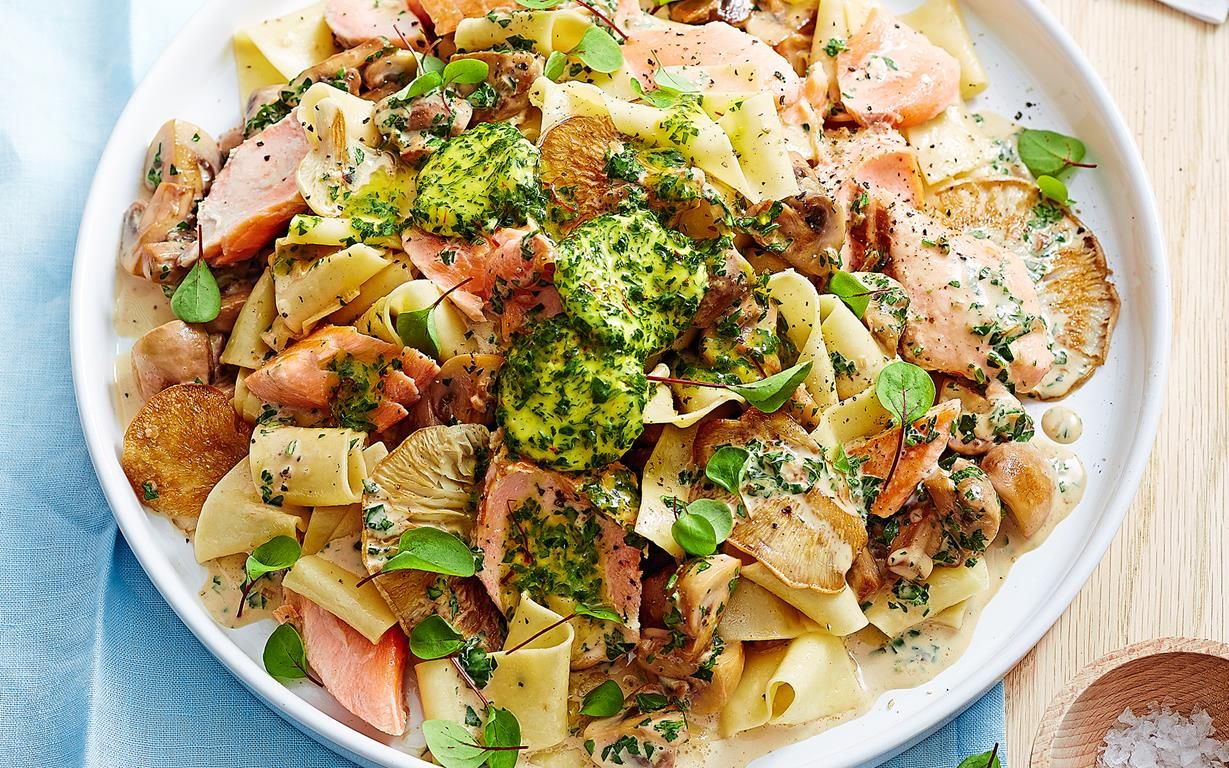 Pappardelle with salmon and mushrooms