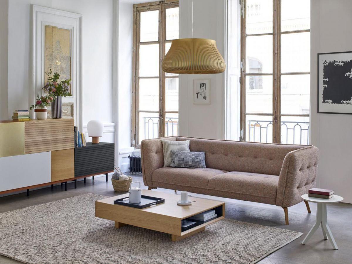 17 Idees Pour Amenager Son Van Soi Meme En 2020 Canape Habitat Canape 2 Places Mobilier De Salon