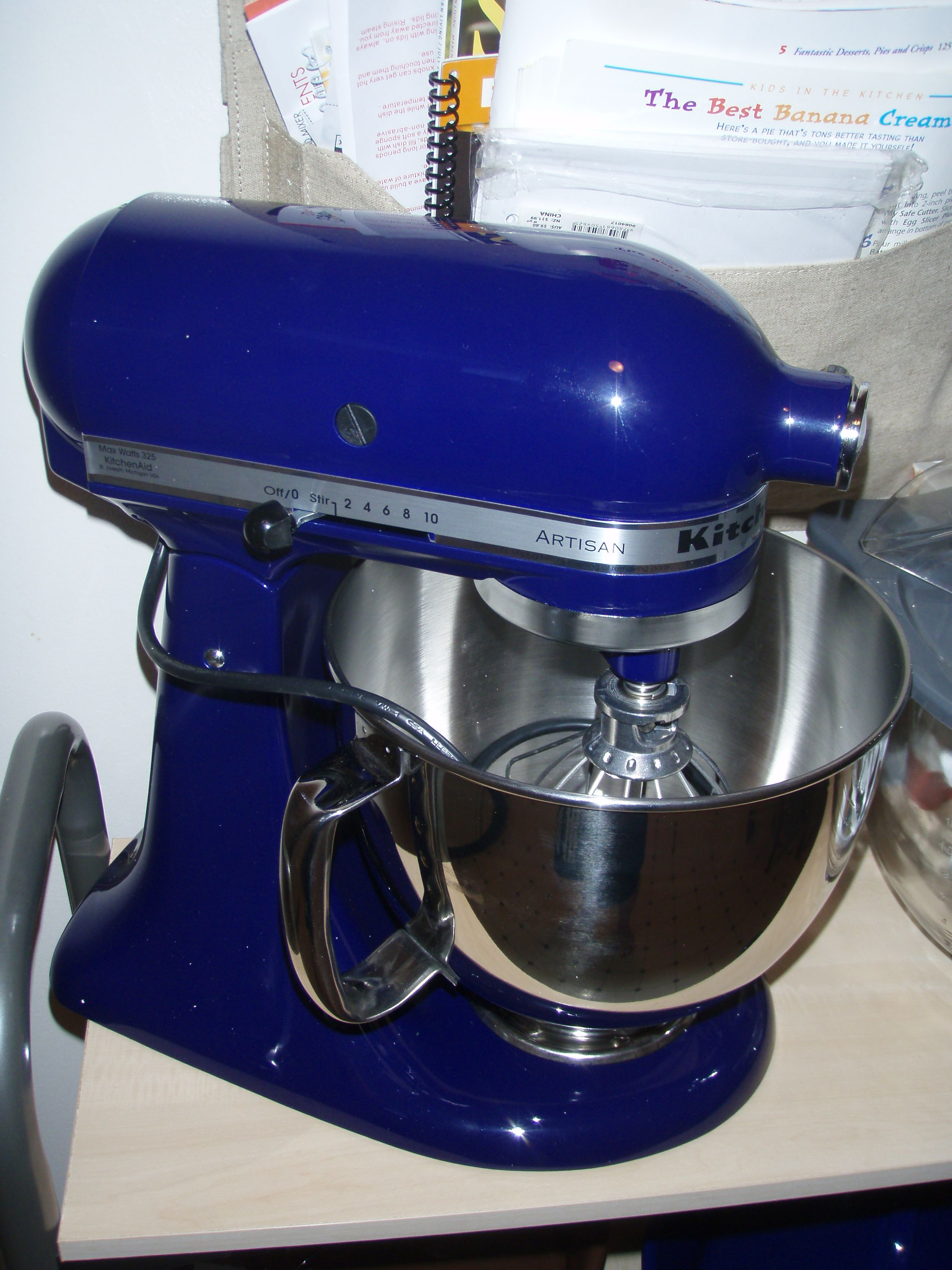 Cobalt blue kitchenaid stand mixer i want this so badly