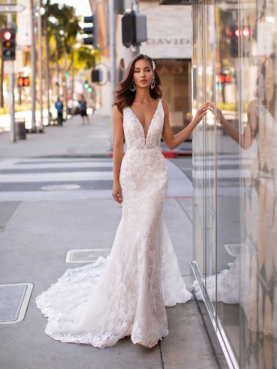 New Moonlight Bridal Couture Is So Glamorous We Literally Cannot Lace Mermaid Wedding Dress Bridal Couture Wedding Dresses [ 1240 x 930 Pixel ]