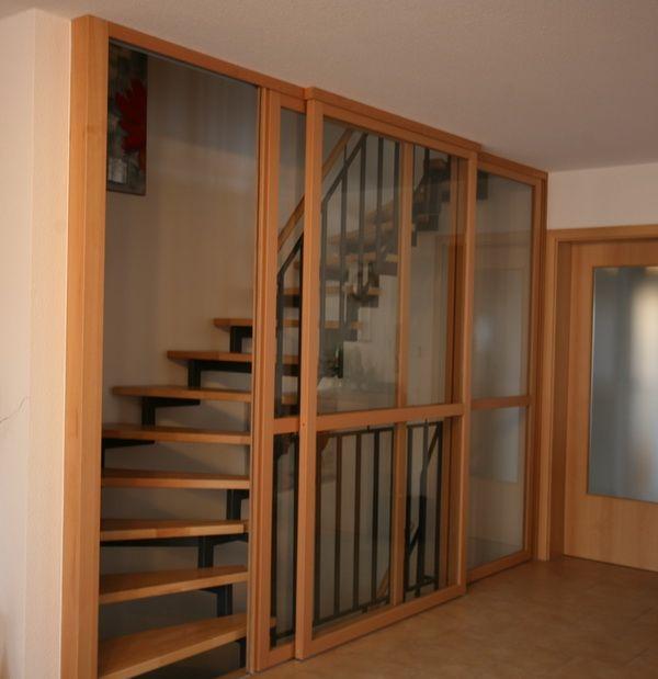 Treppenaufgang Tür gleittürenelement vor treppenhaus buche und klarglas kl2