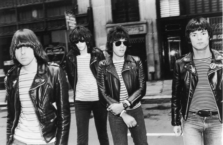 9a9c323d58031 THE RAMONES (Johnny Ramone  Joey Ramone  Marky Ramone  Dee Dee Ramone)