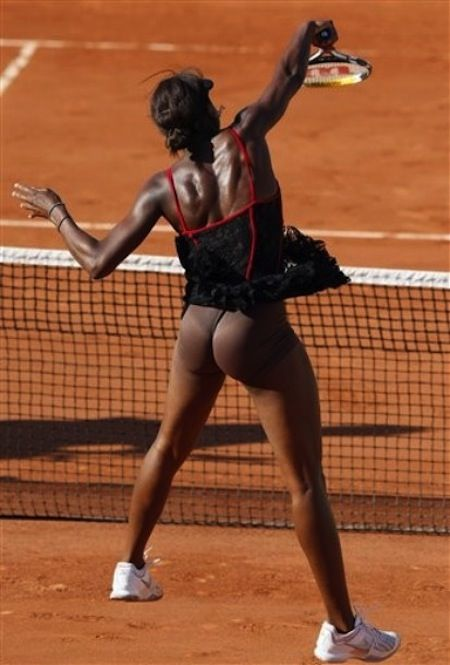 Venus Williams She Is Actually Wearing Nude Colored Underwear Still A Bad Choice